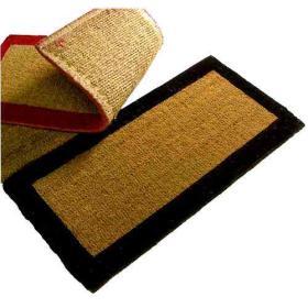 Paillasson 80x40 bordure rouge brosse sur semelle PVC ou EXTRA TISSEE